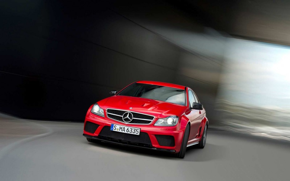 Спортивное купе Mercedes-benz C 63 AMG Black series